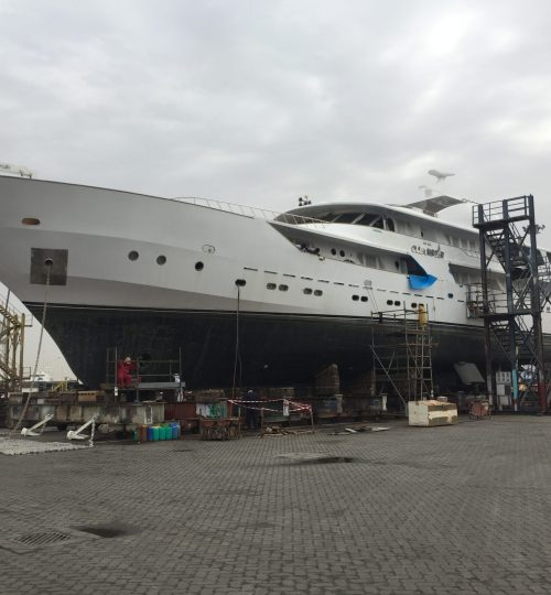 Yacht upgrade and engine change in UAE